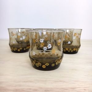 Other - Vintage Juice Cups with Flower Detail - Set of 7